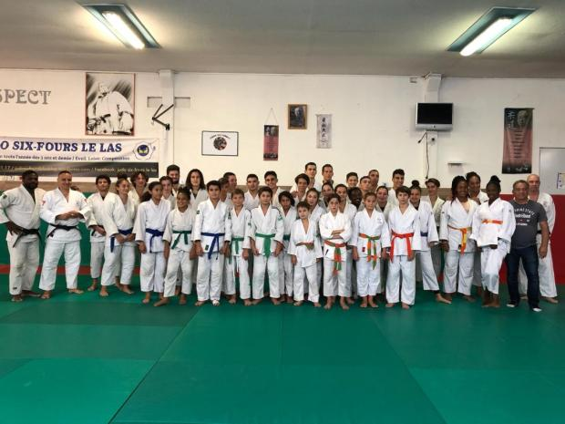 photo regroupement toulon-judo